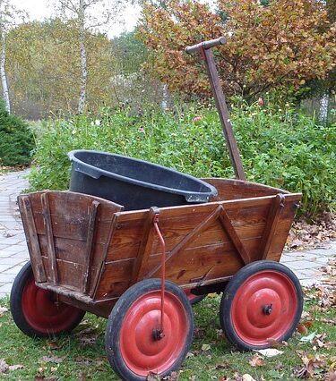 Old wooden garden cart. 5 best Rated Garden Carts Review